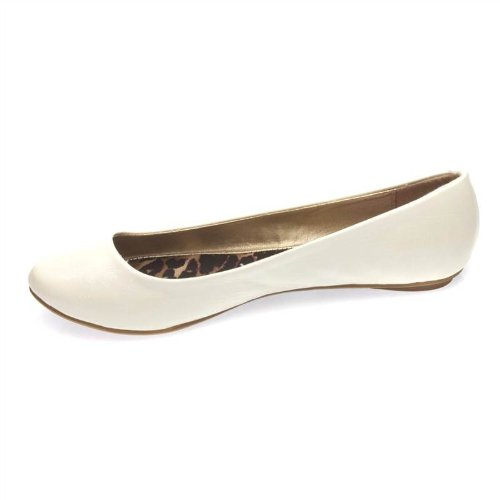 Qupid Women's Classic Ballerina Ballet Flats Shoes- Color: Ivory white Size: 8.5 Crinkle Patent Leather